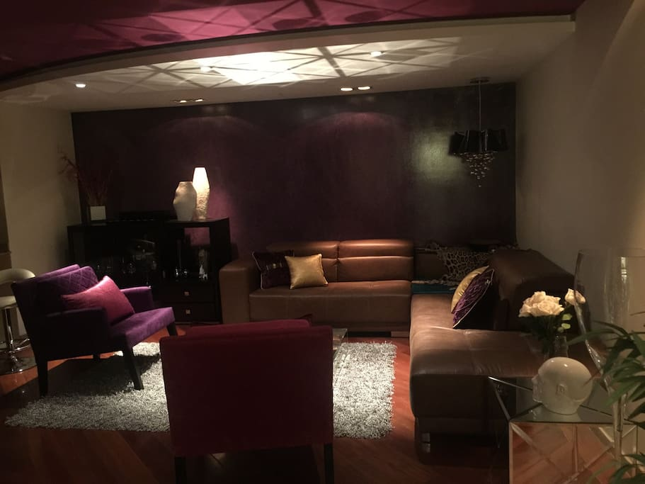 Luxury apt beside two 5star hotels departamentos en for Design hotel quito