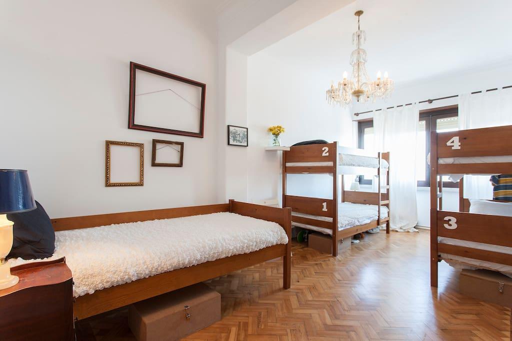 Lisbon arte hostel chambres d 39 h tes louer lisbonne for Chambre d hote portugal