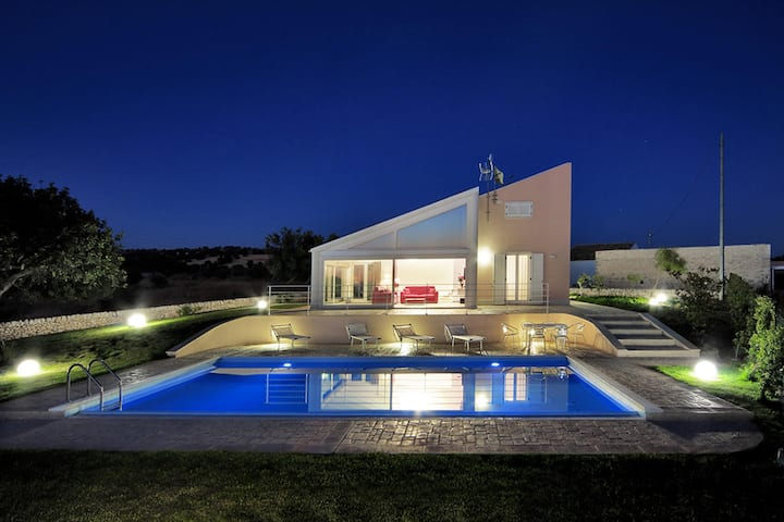 Atena, villa with view and panoramic pool