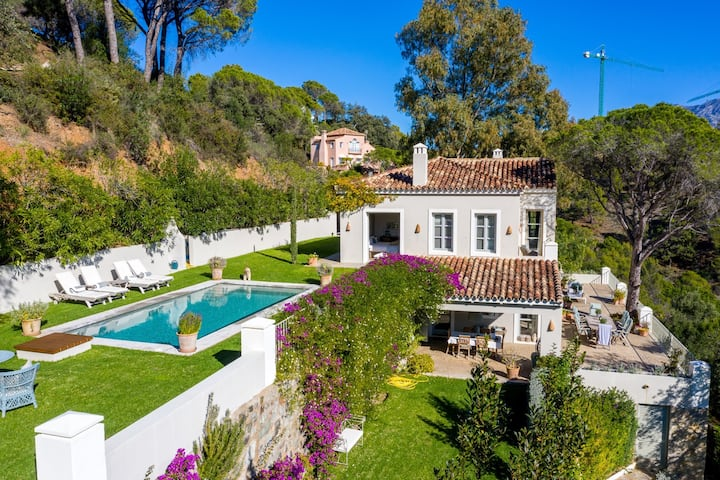 Luxury Privacy and Romance with great sea views