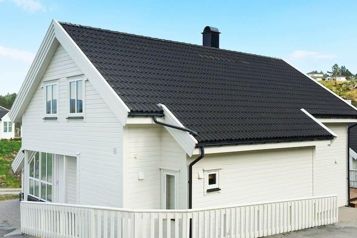 4 star holiday home in Auklandshamn
