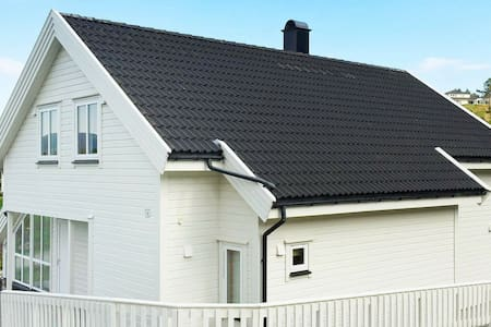 4 star holiday home in Auklandshamn