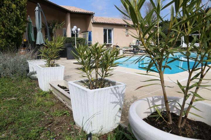 2 chambres privées dans une villa avec piscine - Toulouse - Bed & Breakfast