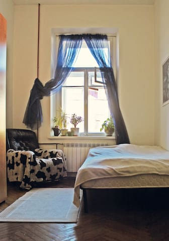 Cosy light room in the City Center - Sankt-Peterburg - Appartement