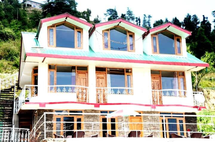 2 Deluxe Room|Himalyan Vacation|Kufri(Shimla)
