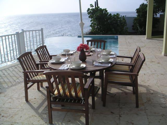 Oceanfront Luxury Villa on a Cliff