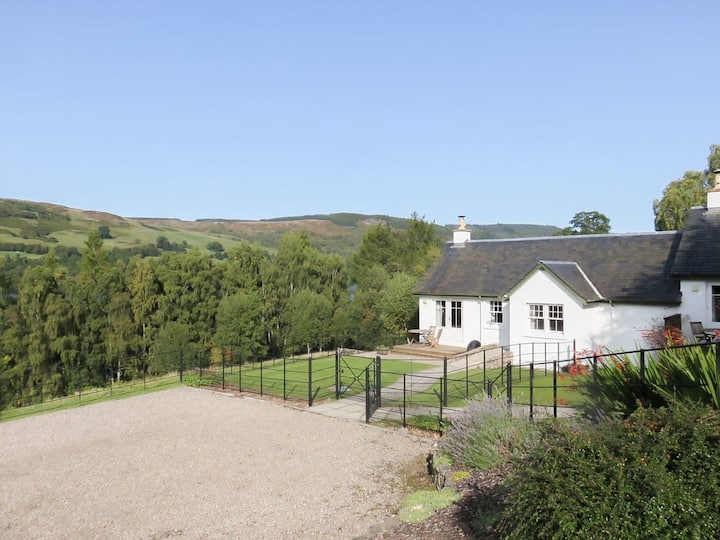 Tummel Cottage (UKC576)