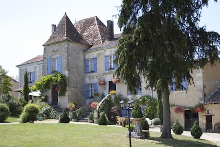 Manoir La Breuille, Montmoreau St Cybard, Charente - Saint-Martial - Pousada