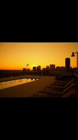 Shockoe Bottom Loft - Rooftop Pool - Richmond - Pis