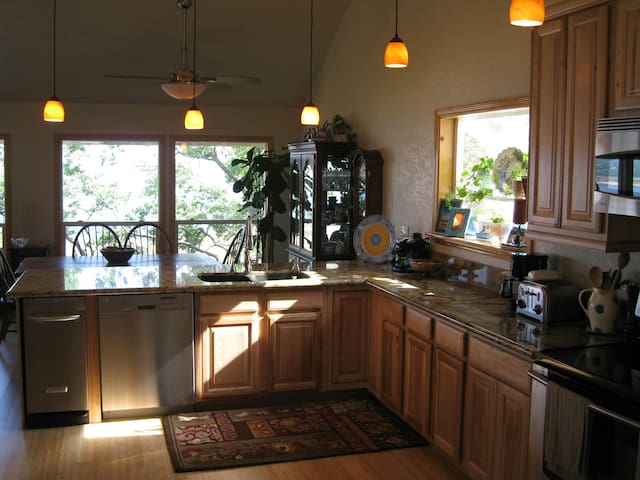 Lakefront! 2 bd *Panoramic views* - Granite Bay - House