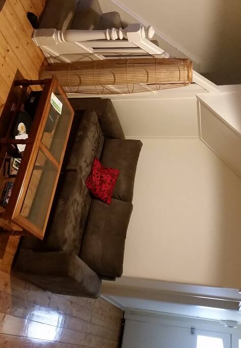 Compact and comfy lounge room...