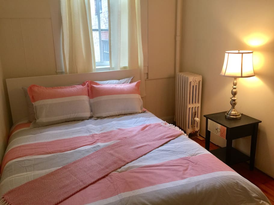 Comfortable Beacon Street One Bedroom 52 2 Apartments For Rent In Boston Massachusetts