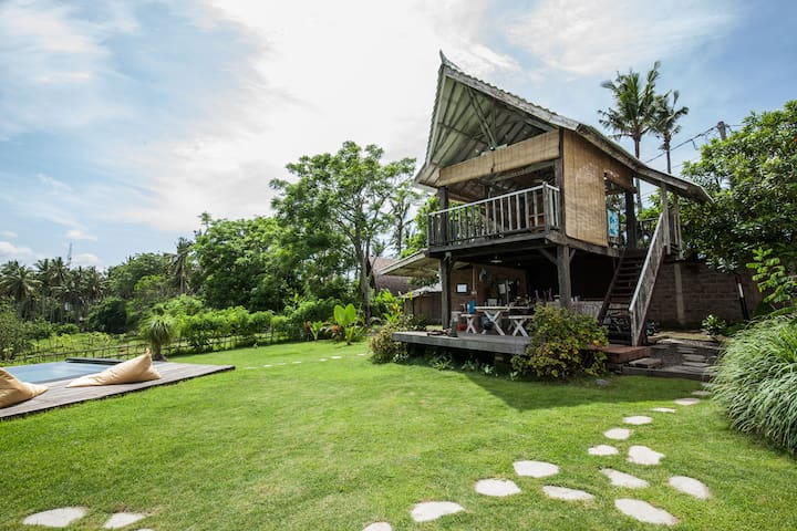 Breakfast on the deck, followed by a dip in the pool, then read while you hammock in the breezy upstairs lounge