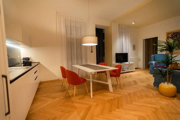 App110 - Apartment 3