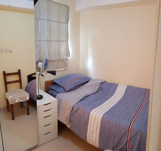 Private room for one lady in Tung Chung Pa Mei.