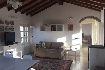 Grazioso appartamento nella campagna piacentina - San Pietro In Cerro - Квартира
