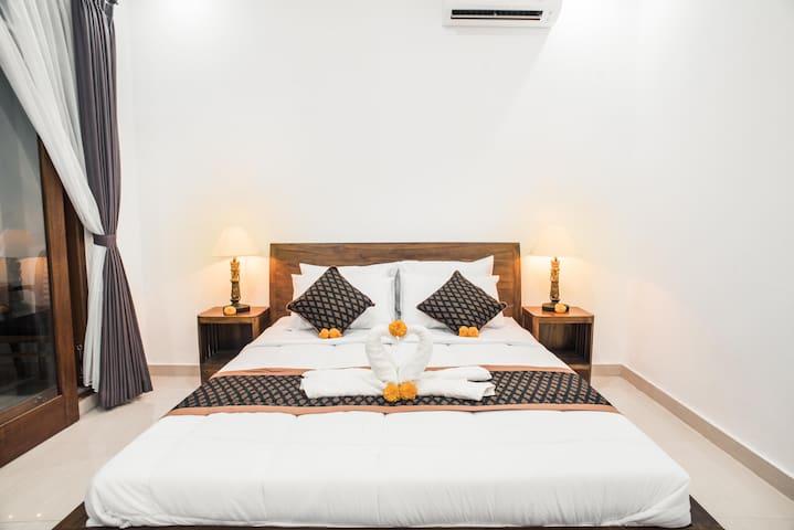 Dijumahrai 3, Room in Ubud with AC- Promo Rate