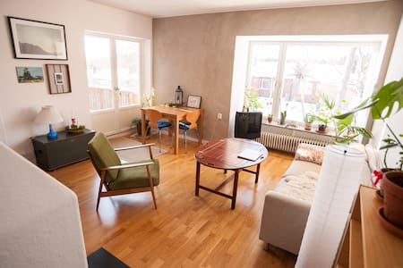 Lovely and warm 2 bedrooms house near Stockholm - Gustavsberg - Hus