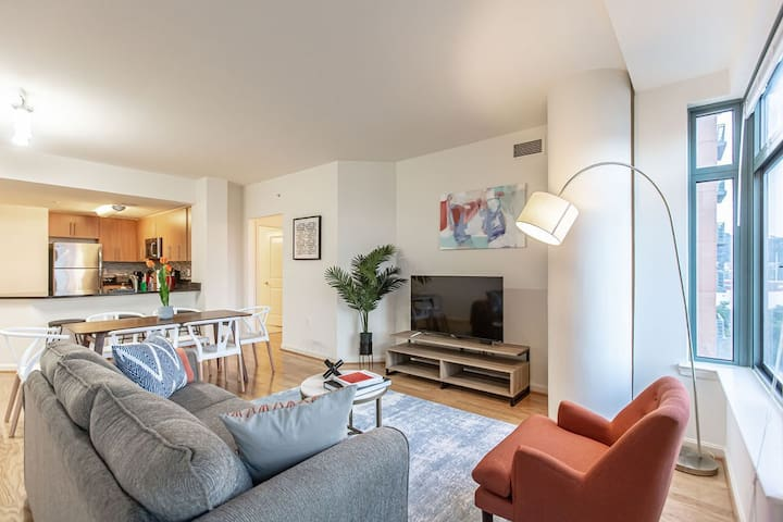 Kasa | Arlington | Sophisticated 2BD/2BA Apartment
