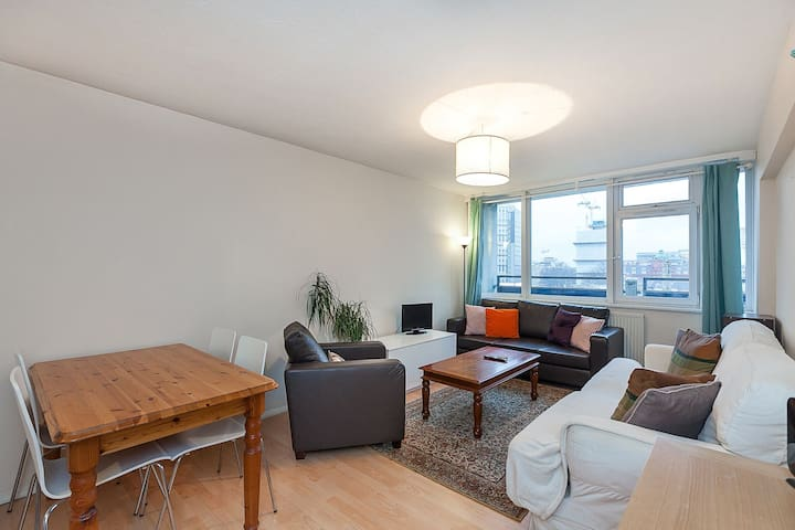 Shoreditch/ Central London 2 beds flat for upto 5