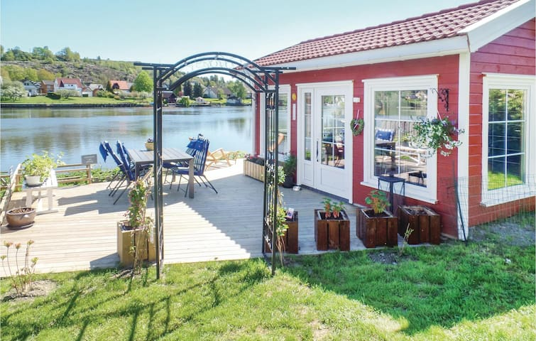 Holiday cottage with 1 room on 17m² in Rolvsøy