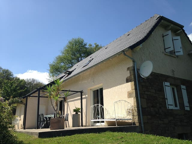 Maison de charme à la campagne - Lanteuil - Huis