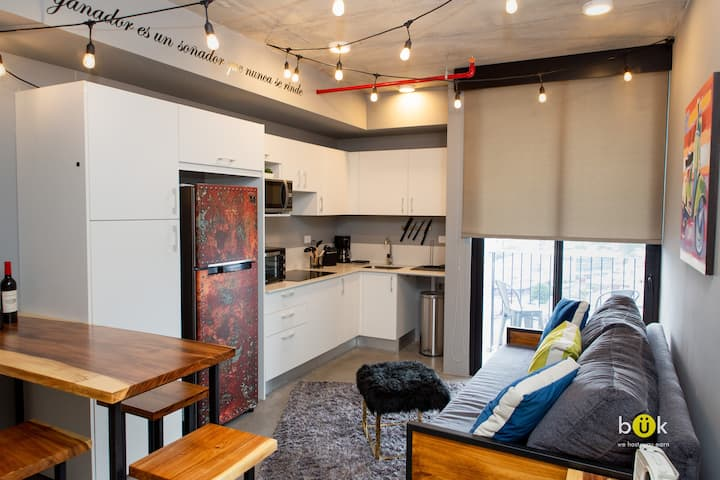 CocoaLoft Stunning New Apartment in Stylish Tower