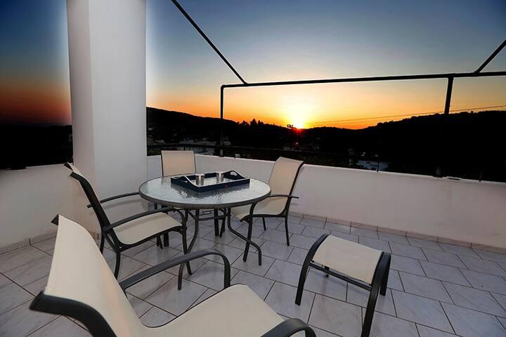 Angelika's Villa with Saronic Sea Sunset View
