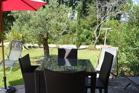 Logement de charme avec jardin à 150m de la plage - Poggio-Mezzana