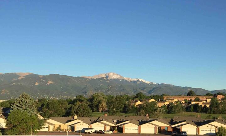 Pikes Peak & Incline View