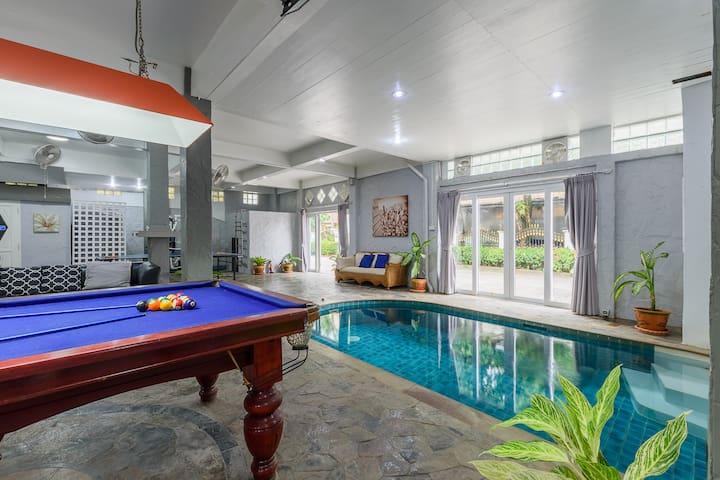 Patong pool villa 5 minutes walk  Beach,Bangla rd