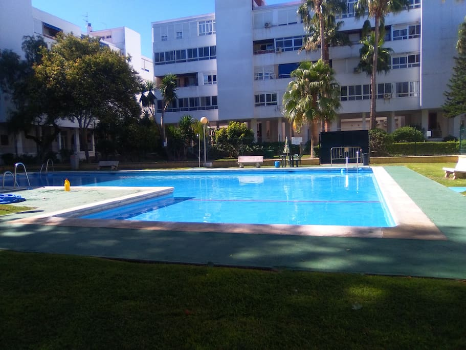 Chiclana centro piscina apartments for rent in chiclana for Piscinas chiclana