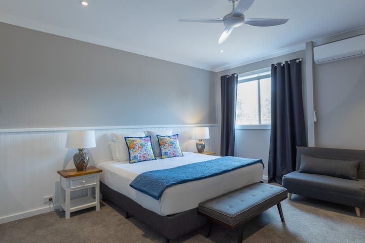 Large king size bedrooms