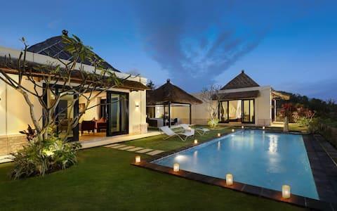 Wonderful 3 Bedroom Hillstone Villas Resort Bali