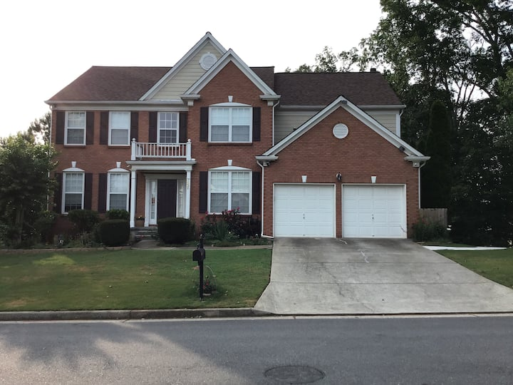 2 Bedroom Suite with kitchen/laundry in Alpharetta