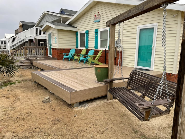 2nd Row Shabby Chic Ocean Cottage Steps From Beach