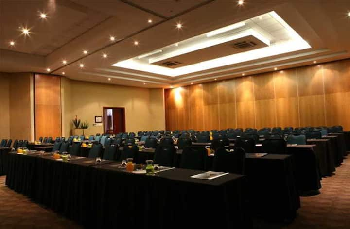 Spacious Suite Capacity 1 At Johannesburg Airport Or Tambo