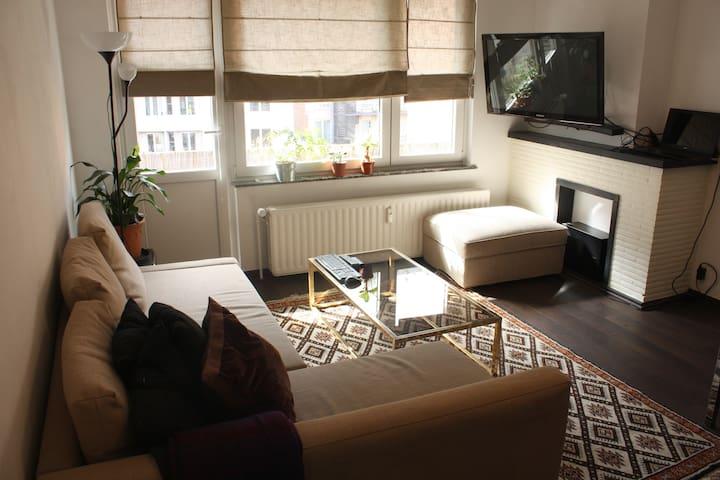 Fully-equiped 60m2 apt - EU - Etterbeek - Apartment