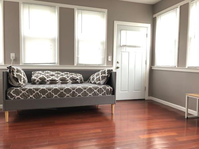 Sunny Porch Room!