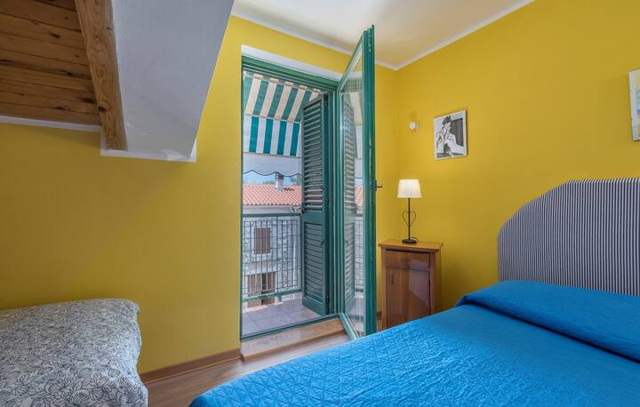 House Conte for max 14 persons close to Funtana beach  / Apartment Conte 1 A3  for max 3 persons close to Funtana beach and fantastic  Adriatic sea