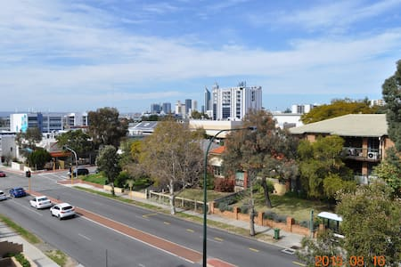 "1 Bedroom ""Great Value"" so close to Perth City - West Leederville - Appartamento"