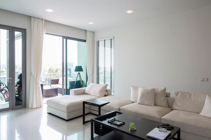 Double Room in 3 bed - W Residences