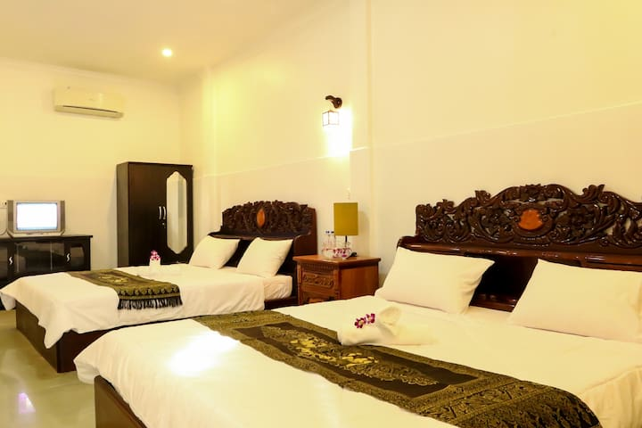 Family Room, Best location in Town - Phnom Penh - Casa