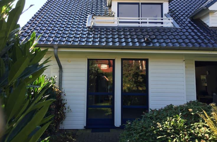 Kleine Wohnung auf 2 Etagen mit Terrasse