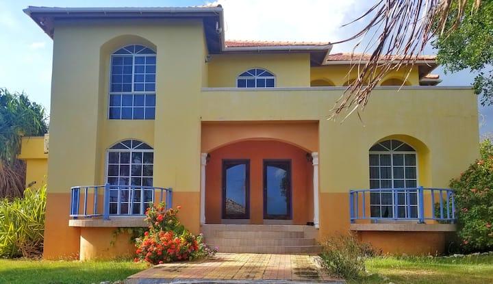 Seaside Villa - Entire House 7 bdrm 7 bath  & pool