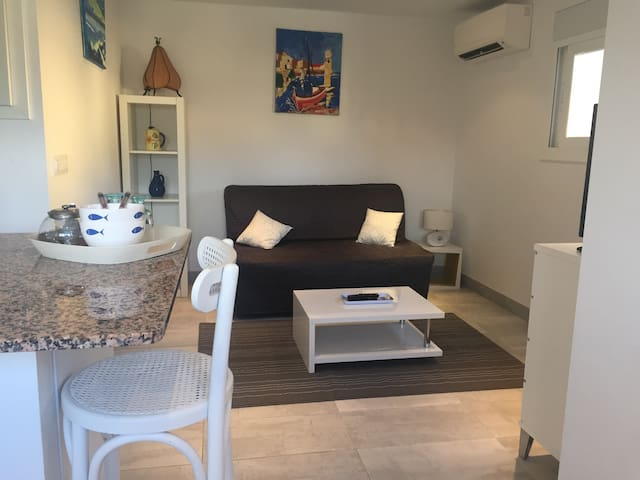 Studio 2 min walk of the Sea - Roses - Apartamento