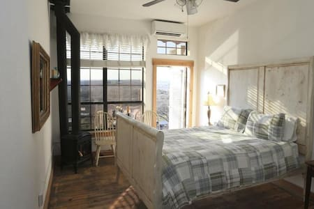 Cozy Room, River View, Second Floor