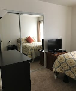 Comfy, quiet room in Ceres CA - Ceres - Talo