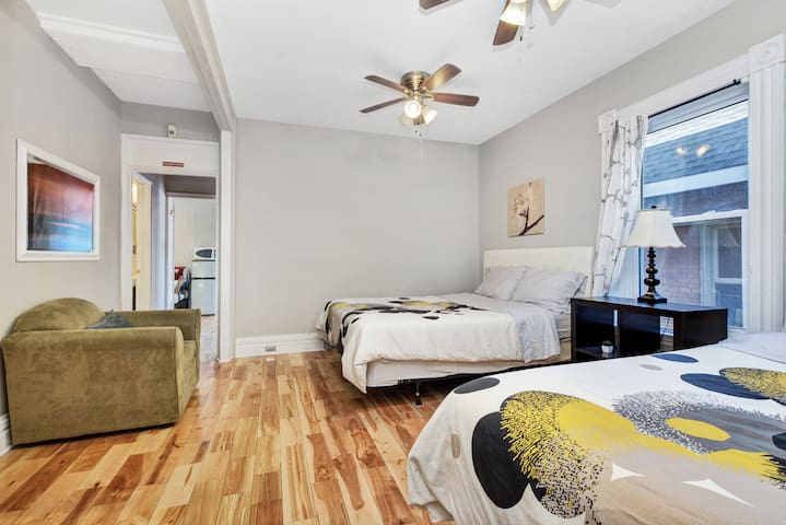 2 Bedroom Central Heritage Home with Parking, Unit 6