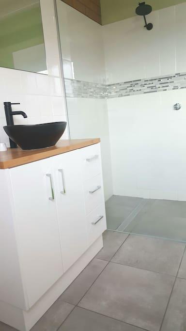 Modern Walk-in Shower, Bamboo Vanity w/ Freestanding Basin